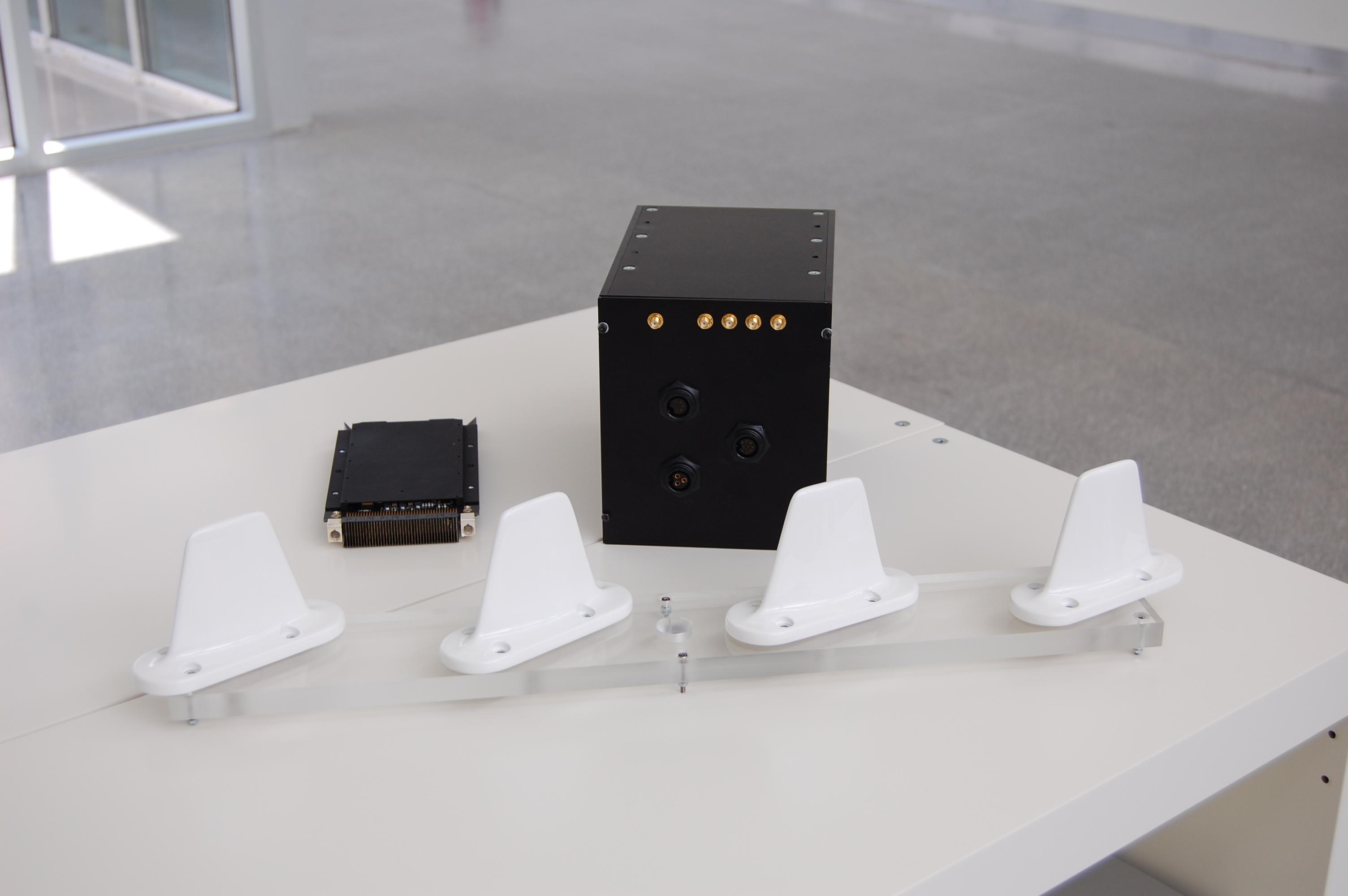 Carga de pago + sistema de antenas